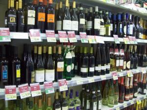 MÂNCARE: Ce găsim într-un supermarket din Italia? În România, preţuri mai mari, calitate inferioară!
