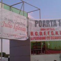 LEGENDĂ: Julio Iglesias şi 8.000 de suflete au cântat şi au dansat. Mioara Roman a primit un bilet dublură!