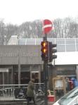 Atentie-2 omuleti rosii la stop si semn interzis indoit!