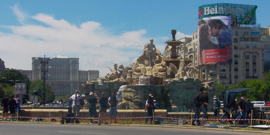BUTAFORIE: Fontana di Trevi, adusă la Bucureşti