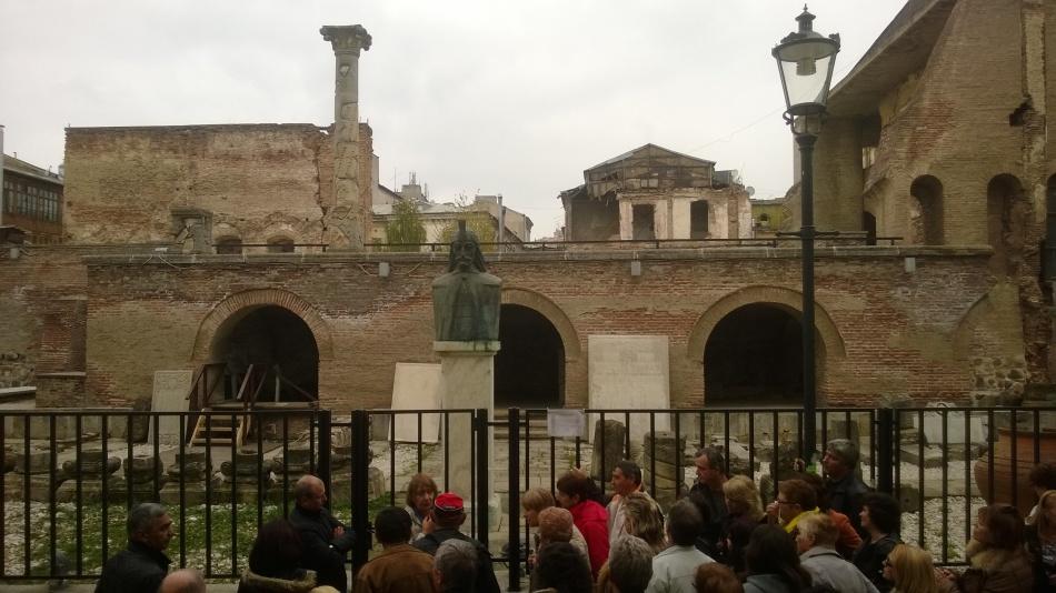 CASTELE DE NISIP: Cât de sigure sunt cluburile din Centrul Vechi? Vizitaţi Muzeul Curtea Veche!