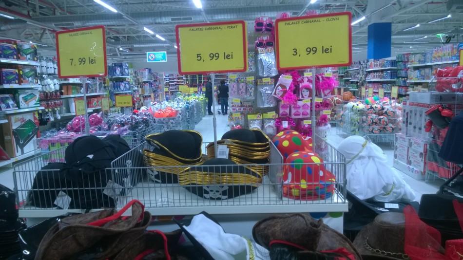 JUMBO: Hipermarketul lui Moş Crăciun, dedicat părinţilor. De unde izvorăsc râurile de jucării?