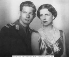 Regele-Mihai-si-Regina-mama-Elena-1940