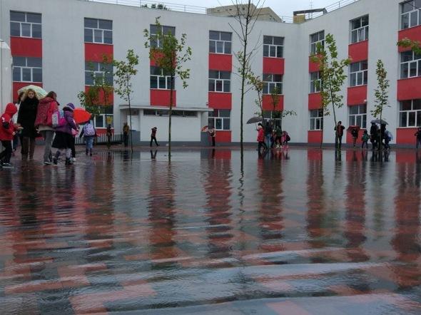 scoala-88-sector-3-inundatie