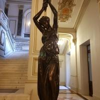 BNR: Coadă de 2-3 ore numai în Ziua Porților Deschise sau Noaptea Muzeelor