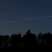 STARLINK: Elon Musk reconfigurează harta cerului. Vor apărea 42.000 de stele noi deasupra Terrei