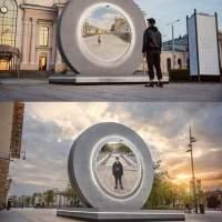 LITUANIA-POLONIA: Statuia portal din Vilnius și Lublin permite oamenilor să interacționeze în timp real de la 600 km distanță. Urmează Stargate?